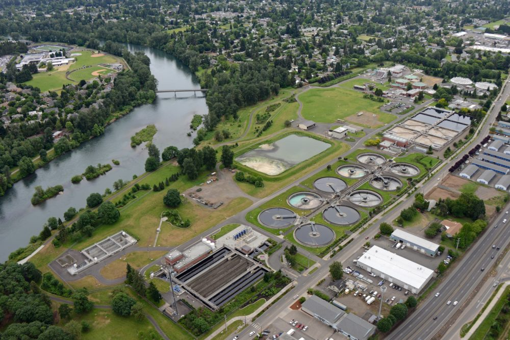 Aerial view of Water Pollution Control Facility and Willamette River